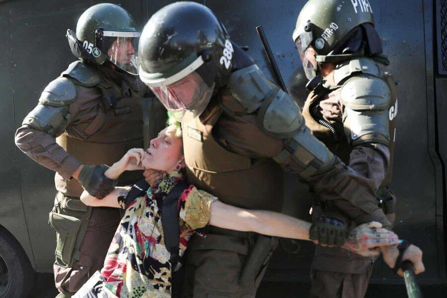 عکس روز: در دست پلیس