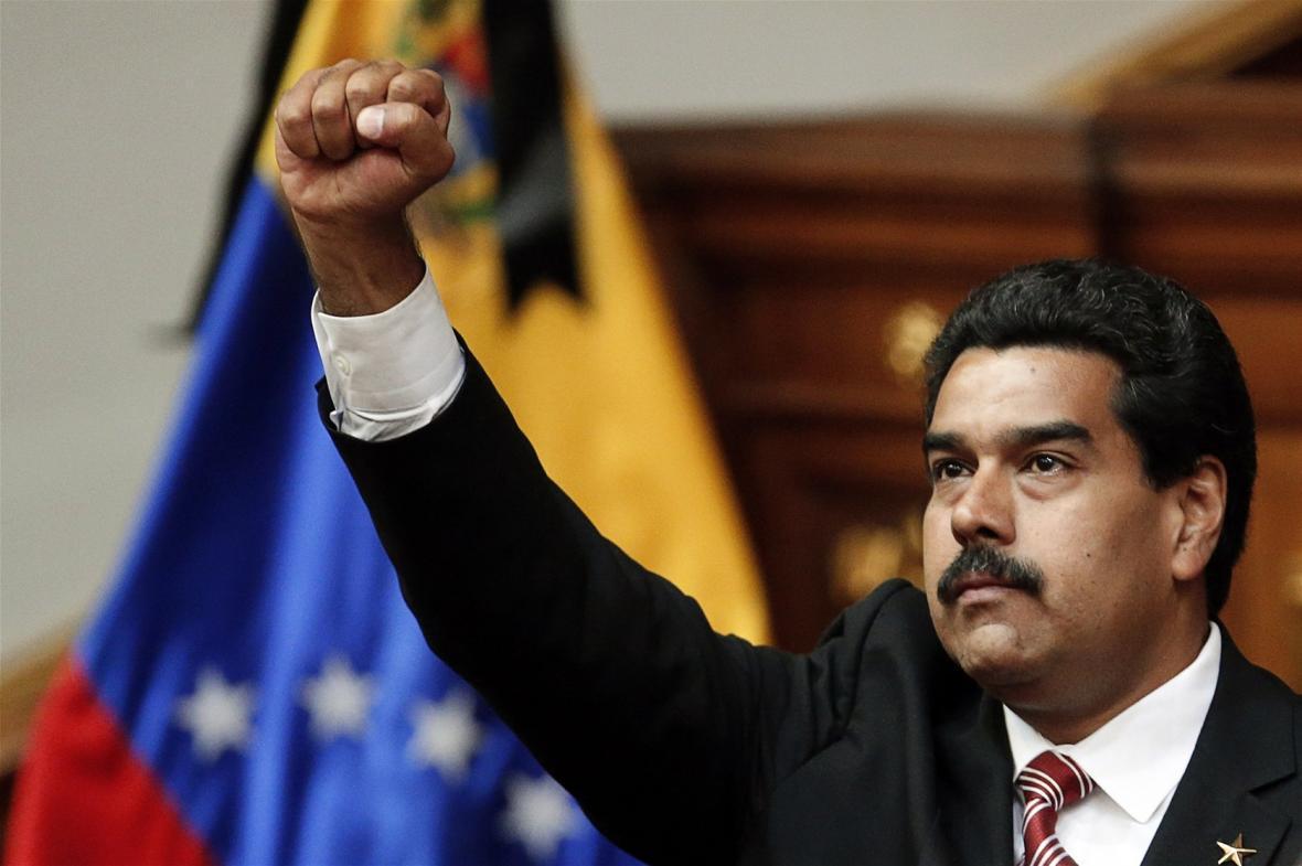 مادورو: از مخالفان خود در واشنگتن و کاراکاس باهو ش ترم ، پامپئو انگار روی زمین نیست