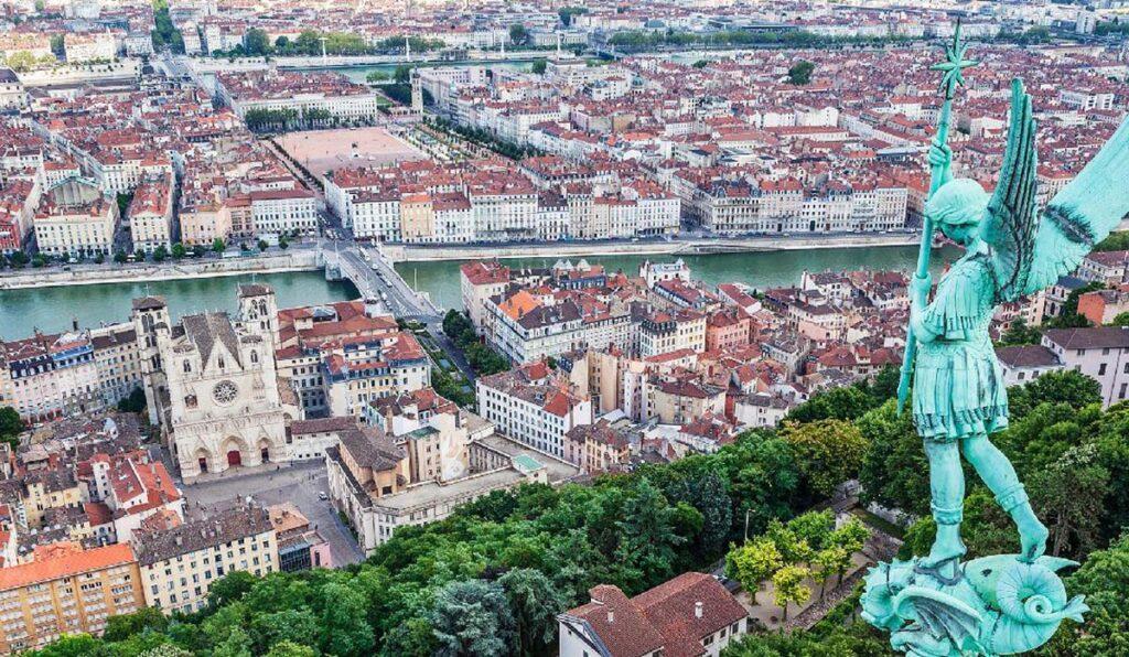 گردشگری در زیباترین شهرهای فرانسه