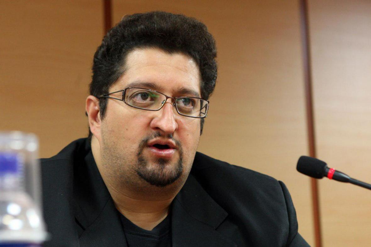 افاضلی با ماشین سازی راهی تهران می گردد