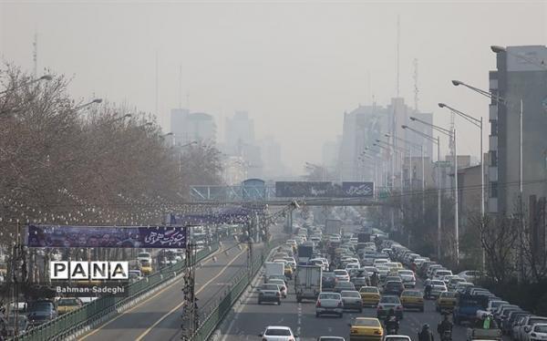 هوای پایتخت در روز طبیعت هم پاک نشد
